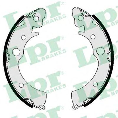 Комплект тормозных колодок LPR арт. 04810