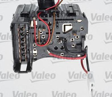 Выключатель на колонке рулевого управления VALEO арт. 251570
