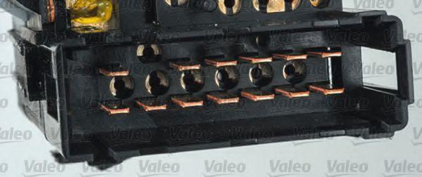 Выключатель на колонке рулевого управления VALEO арт. 251587