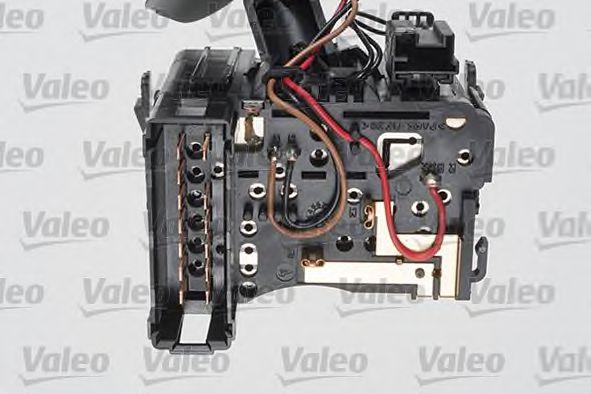 Выключатель на колонке рулевого управления VALEO арт. 251592