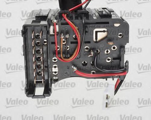 Выключатель на колонке рулевого управления VALEO арт. 251596
