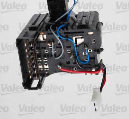 Выключатель на колонке рулевого управления VALEO арт. 251597