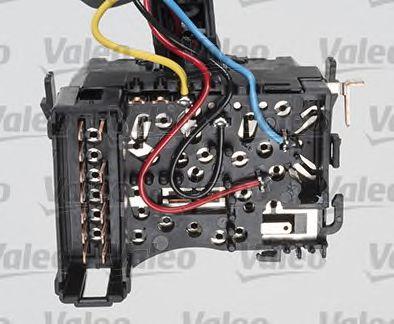 Выключатель на колонке рулевого управления VALEO арт. 251601