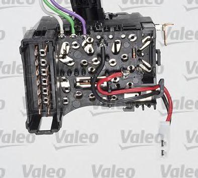 Выключатель на колонке рулевого управления VALEO арт. 251606