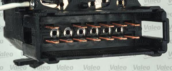 Выключатель на колонке рулевого управления VALEO арт. 251602