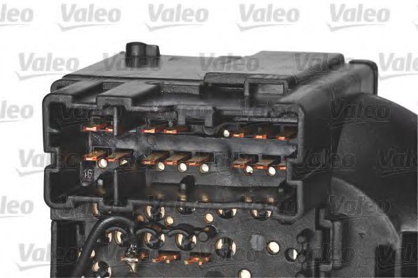 Выключатель на колонке рулевого управления VALEO арт. 251685