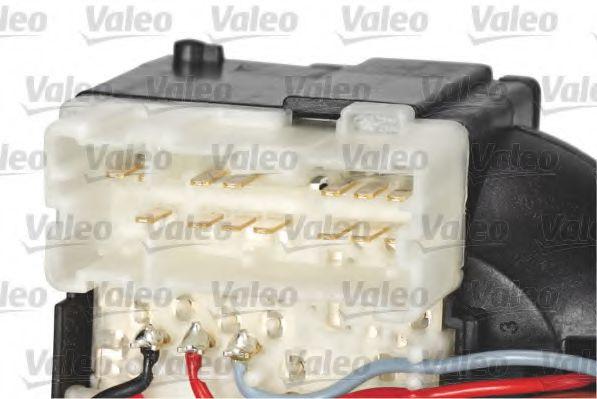Выключатель на колонке рулевого управления VALEO арт. 251690