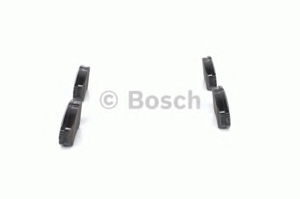 Комплект тормозных колодок, дисковый тормоз BOSCH арт. 0986424818