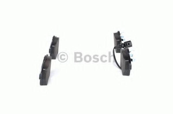 Комплект тормозных колодок, дисковый тормоз BOSCH арт. 0986494018